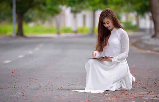 """hoaphuong 27 - Soạn bài: """"Độc Tiểu Thanh kí"""" (Nguyễn Du) – văn lớp 10"""